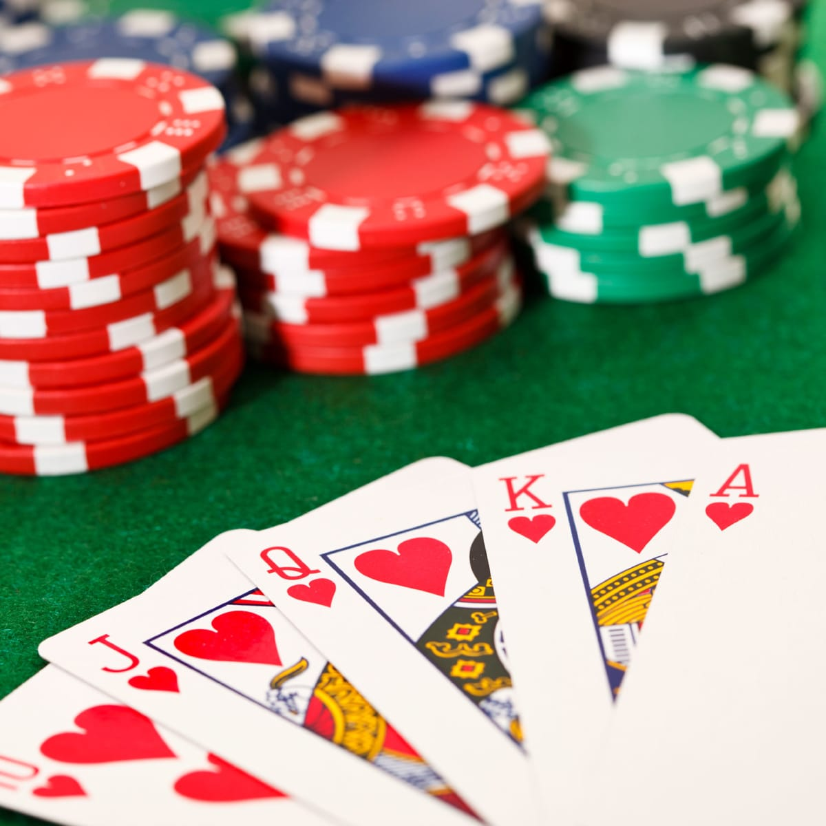 5 Guides To Help You Win Online Poker