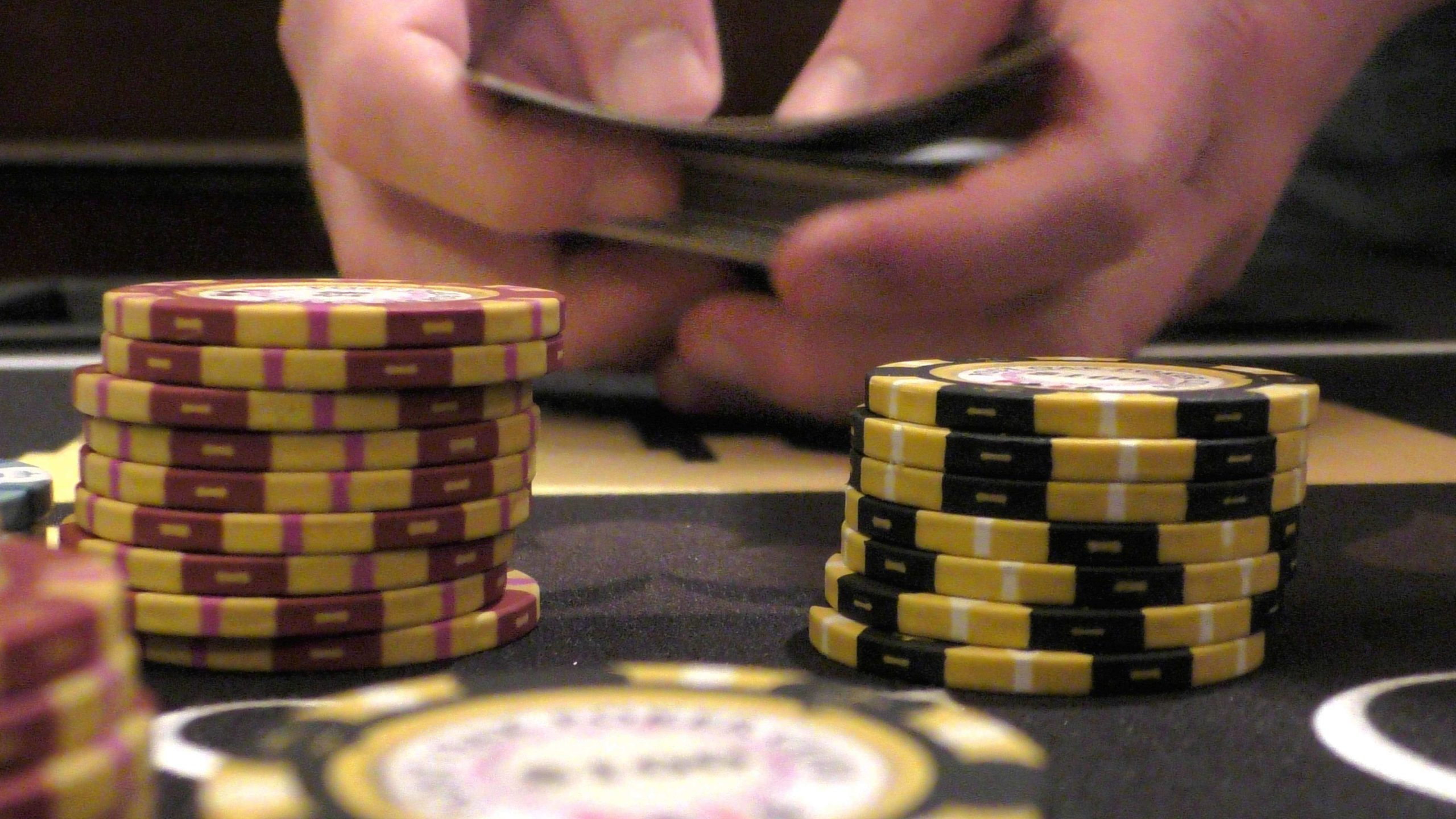 HOW TO PLAY the online poker card game