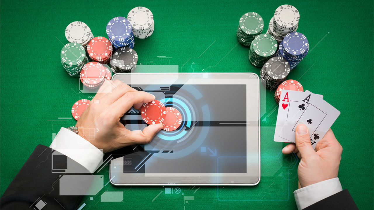 How is the development and entry of online gambling in Indonesia
