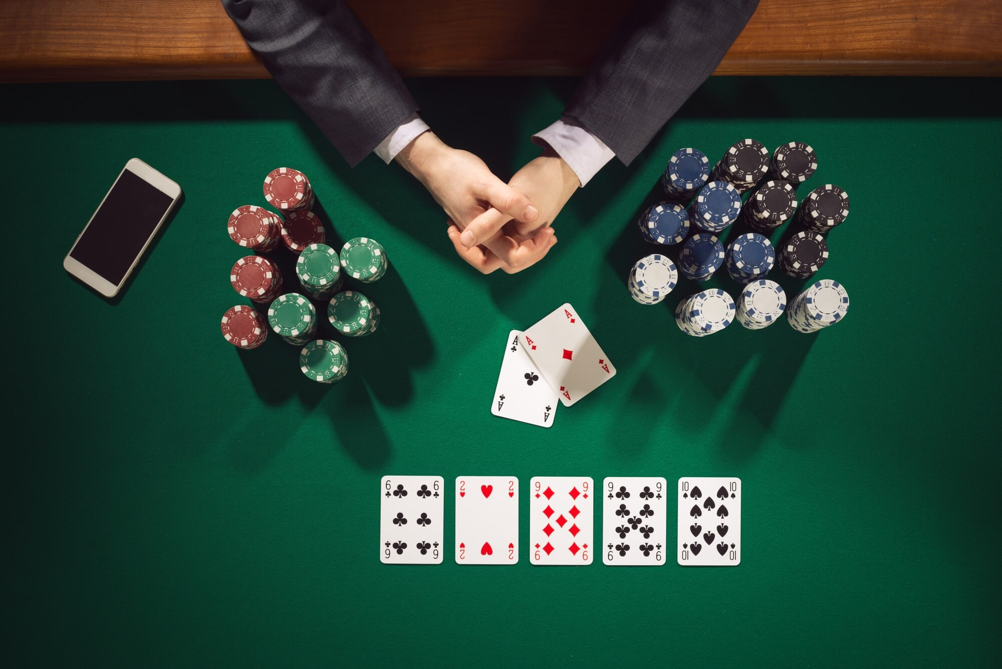 Online QQ Poker Tricks to Be Adept at Playing