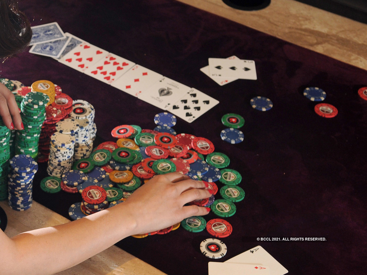 Satisfied Download the Free Online Poker Game